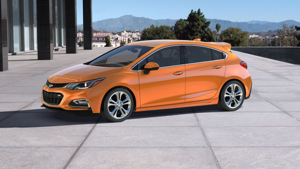 At A Glance: 2017 Chevrolet Cruze Hatch on Everyman Driver