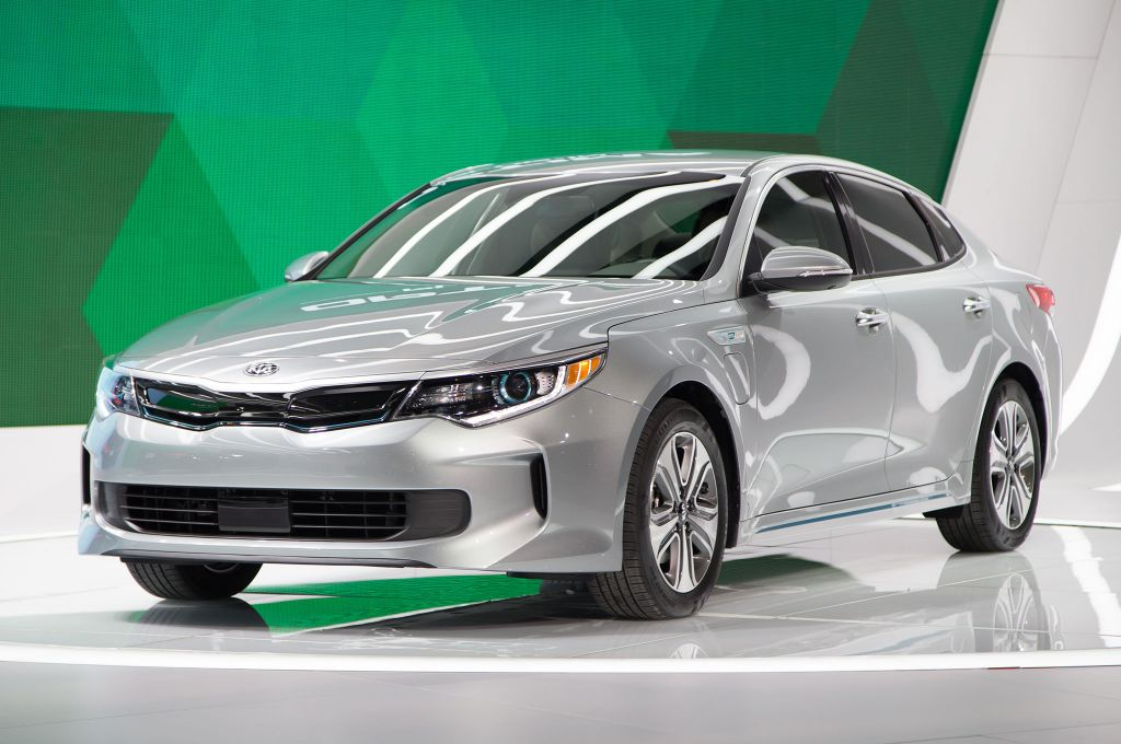 Kia Motors America Kma Today Unveiled The All New 2017 Optima Plug In Hybrid Phev At Chicago Auto Show S First Joined Two Other