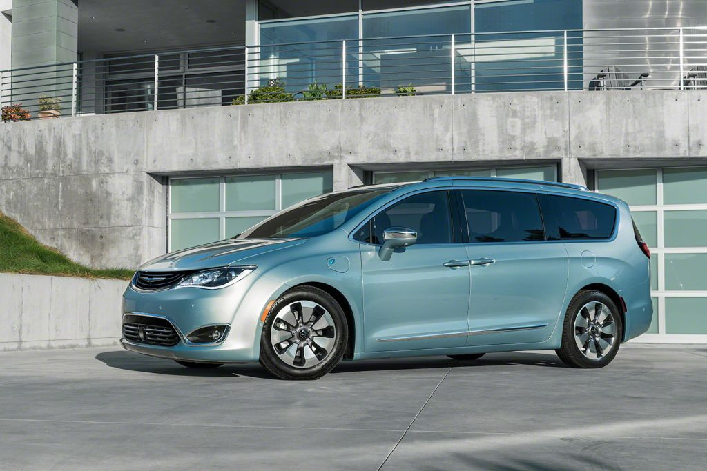 2017 Chrysler Pacifica Hybrid On Everyman Driver With Dave Erickson