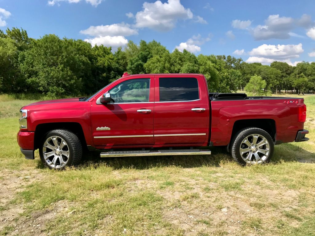 drive review 2018 chevy silverado 1500 high country. Black Bedroom Furniture Sets. Home Design Ideas